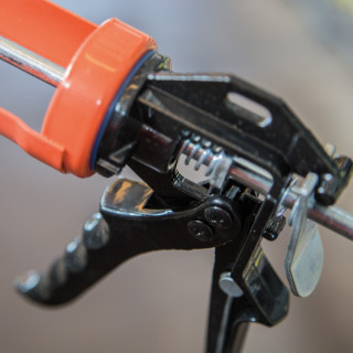 Caulking gun Professional